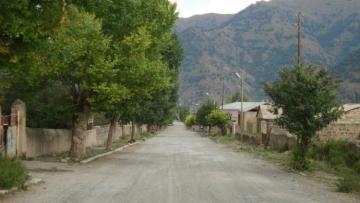Армянские военные взорвали здание военной части, покидая Кяльбаджар - [color=red]ВИДЕО[/color]