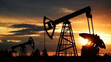 Цена барреля нефти марки Brent превысила 49 долларов впервые с марта
