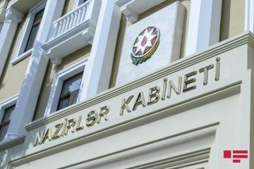 В Баку увеличен срок выдачи надбавок к зарплатам врачей, лечащих больных COVID-19
