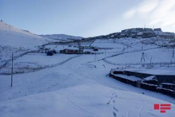 Высота снежного покрова в Хыналыге составила 16 см