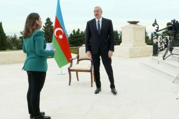 """Azərbaycan Prezidenti """"Əl-Cəzirə"""" televiziya kanalına müsahibə verib"""