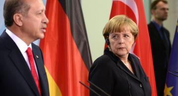 Эрдоган довел до внимания Меркель важность исполнения резолюций ООН по Карабаху