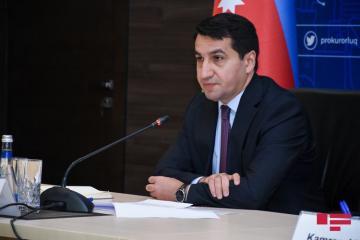"""Hikmət Hacıyev : """"Ermənistanı dayandırmaq lazımdır"""""""