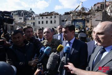 Хикмет Гаджиев: В настоящий момент Азербайджан оценивает ситуацию