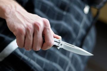 В Баку двое мужчин получили ножевые ранения