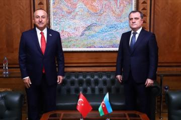 Ceyhun Bayramov Mövlud Cavuşoğlu ilə telefonla danışıb