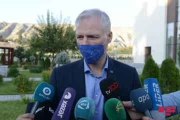 Дипломаты поделились своими впечатлениями от последствий ракетной атаки Армении на Гянджу