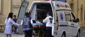 Bakıda daş hasar uçub, iki nəfər ağır xəsarət alıb
