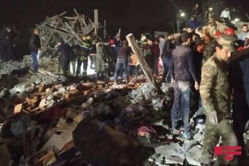 Очередной ракетный удар Армении по Гяндже привел к масштабным разрушениям и жертвам среди гражданского населения - [color=red]ФОТО[/color] - [color=red]ВИДЕО[/color]