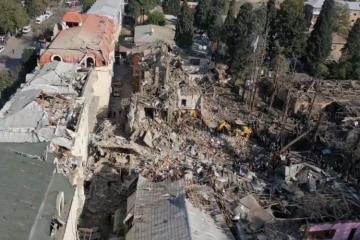 МЧС: Завершены поисково-спасательные работы в домах, разрушенных в результате ракетных ударов по Гяндже