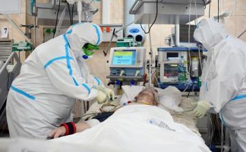 В Турции выявили свыше двух тысяч случаев коронавируса за сутки