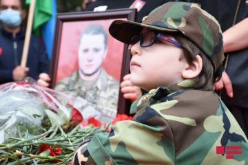 Похоронен военнослужащий Азербайджанской Армии Дмитрий Солнцев - [color=red]ОБНОВЛЕНО-1 - ФОТО[/color]