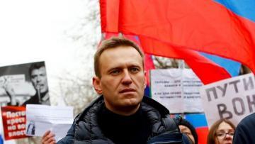 В Кремле заявили об отсутствии токсинов в теле Навального до вывоза в Берлин