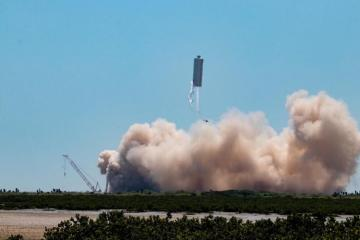 """""""SpaceX"""" Marsa göndərəcəyi gəminin növbəti uçuş sınağını həyata keçirib"""