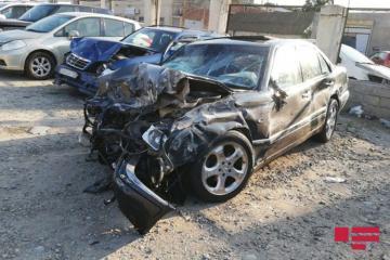 Sumqayıtda iki minik avtomobili toqquşub, 7 nəfər xəsarət alıb