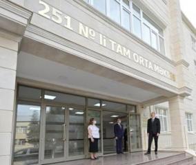 Президент Ильхам Алиев принял участие в открытии нового корпуса средней школы в Баку - [color=red]ОБНОВЛЕНО[/color]