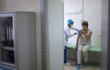 В Москве началась вакцинация добровольцев от коронавируса