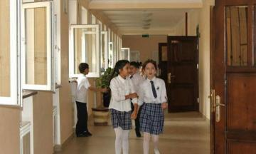 В Азербайджане определены требования к перерывам между уроками в период особого карантина