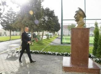 Prezident İlham Əliyev Əmircanda məktəbin açılışında iştirak edib