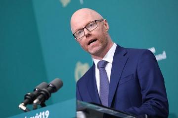 Весь кабмин Ирландии самоизолируется из-за плохого самочувствия одного министра