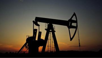 Цена нефти Brent растет на бирже ICE в Лондоне