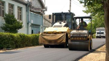 AZN 10.05 mln allocated for the reconstruction of roads in Khatai district