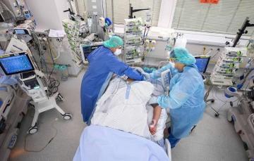 Во Франции зафиксировали рекордный прирост заболеваний COVID-19