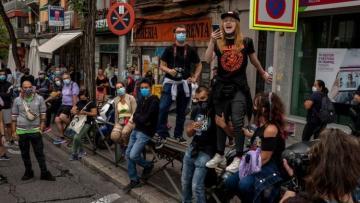 İspaniyada koronavirusla bağlı məhdudiyyətlərə qarşı etiraz aksiyası keçirilib