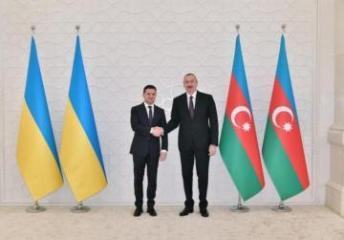 Президент Украины Владимир Зеленский позвонил президенту Азербайджана