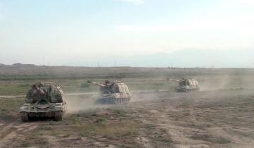 Азербайджанская армия выполнила боевые стрельбы из самоходных гаубиц «Мста-С» - [color=red]ВИДЕО[/color]