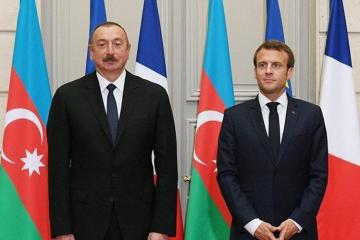 French President makes a phone call to President Ilham Aliyev