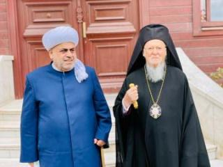 Şeyxülislam Allahşükür Paşazadə Patriarx Varfolomeyi Qarabağdakı məscid və kilsələri birlikdə ziyarət etməyə dəvət edib