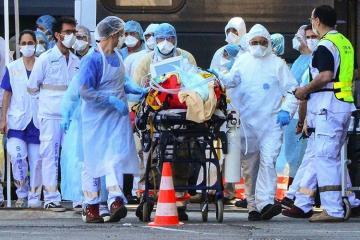 В США за сутки выявили почти 80 тысяч случаев COVID-19