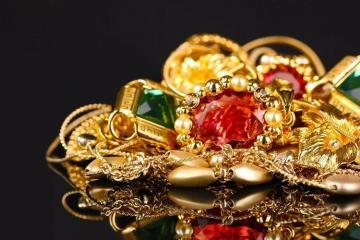Азербайджан освободил от таможенных пошлин ввозимые в страну золото, серебро, платину и слитки