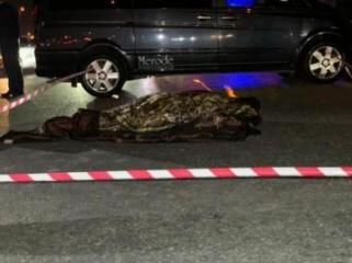 Bakıda Hava limanı istiqamətində şossedə piyadanı avtomobil vuraraq öldürüb - [color=red]FOTO[/color]