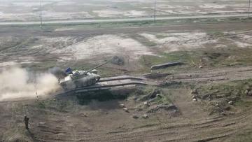 Танковые подразделения выполнили боевые стрельбы - [color=red]ВИДЕО[/color]