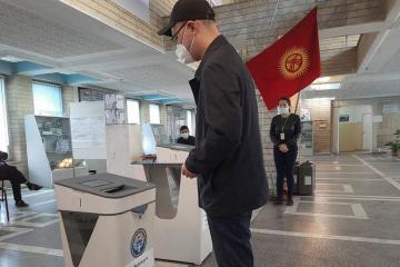 Qırğız Respublikasında referendum və yerli orqanlara seçkilər keçirilir
