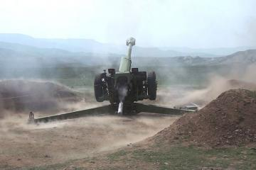 Azərbaycan Ordusunda raket-artilleriya batareyalarının döyüş atışlı taktiki təlimləri başlayıb - [color=red]VİDEO[/color]
