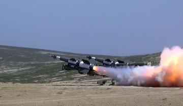 Зенитно-ракетные войска провели учения с боевой стрельбой - [color=red]ВИДЕО[/color]