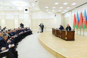 Президент Беларуси: Сведения, что кто-то из азербайджанцев издевается над армянами, я таких примеров не знаю