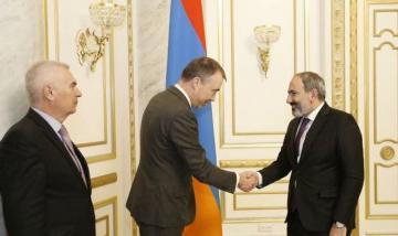 Спецпредставитель ЕС по Южному Кавказу встретился с Николом Пашиняном