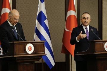 Глава МИД Греции устроил перепалку на пресс-конференции в Анкаре