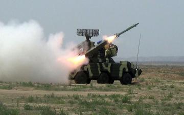 Зенитно-ракетные подразделения проводят тактические учения с боевой стрельбой - [color=red]ВИДЕО[/color]