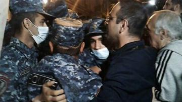 В Ереване задержали 14 человек на акции протеста - [color=red]ВИДЕО[/color]