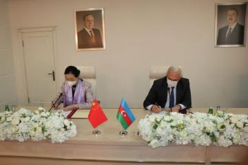 Delivery acceptance act on presentation of 150,000 doses of vaccine provided by China to Azerbaijan free of charge, signed