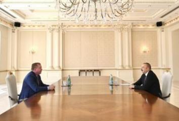 """Prezident İlham Əliyev """"Boeing Commercial Airplanes"""" Şirkətinin prezidenti və baş icraçı direktorunu qəbul edib"""