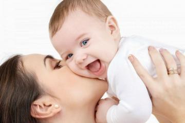 В Азербайджане упрощается процедура усыновления детей родственниками