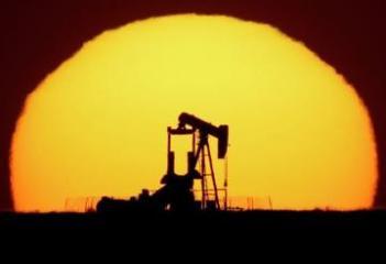 Цена азербайджанской нефти приближается к 62 долларам