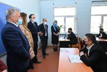 UNICEF və BQXK nümayəndələri Ermənistanın təcavüzü nəticəsində zərər görmüş məktəblərdə olub