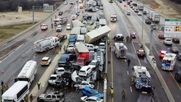 ABŞ-da ağır yol qəzasında 5 nəfər ölüb, 35 nəfər yaralanıb - [color=red]VİDEO[/color]